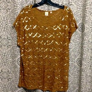 yellow bird top, lite brown with gold detail. lg